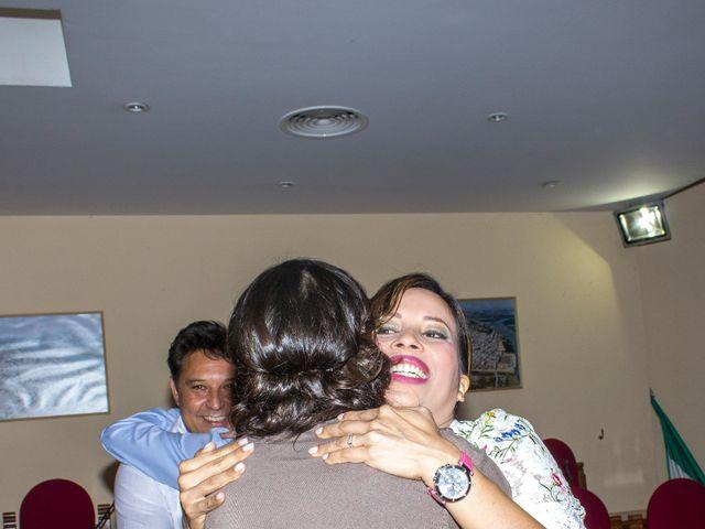 La boda de Raul y Lorena en Coria Del Rio, Sevilla 27