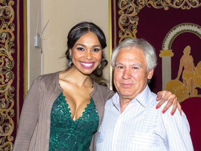 La boda de Raul y Lorena en Coria Del Rio, Sevilla 35