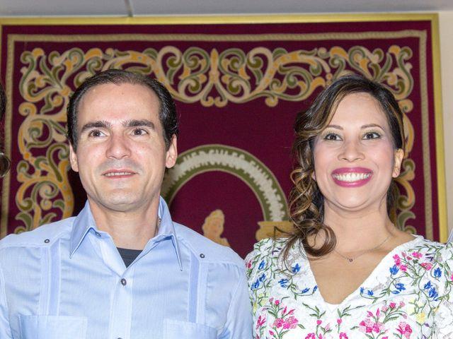 La boda de Raul y Lorena en Coria Del Rio, Sevilla 40
