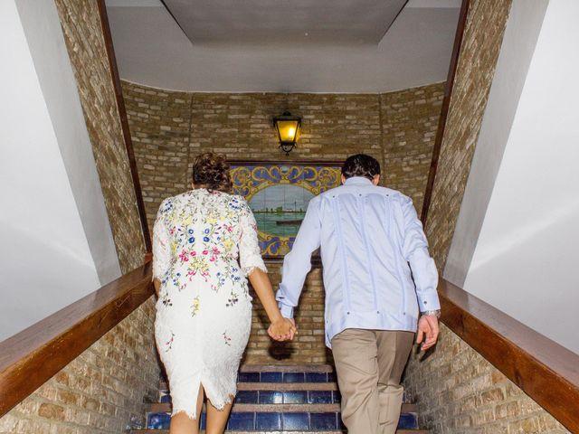 La boda de Raul y Lorena en Coria Del Rio, Sevilla 42