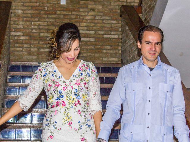 La boda de Raul y Lorena en Coria Del Rio, Sevilla 44