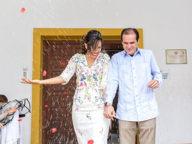 La boda de Raul y Lorena en Coria Del Rio, Sevilla 54