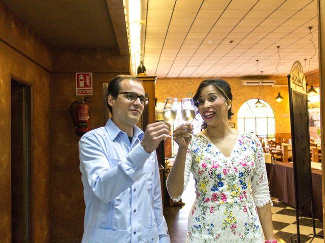 La boda de Raul y Lorena en Coria Del Rio, Sevilla 70