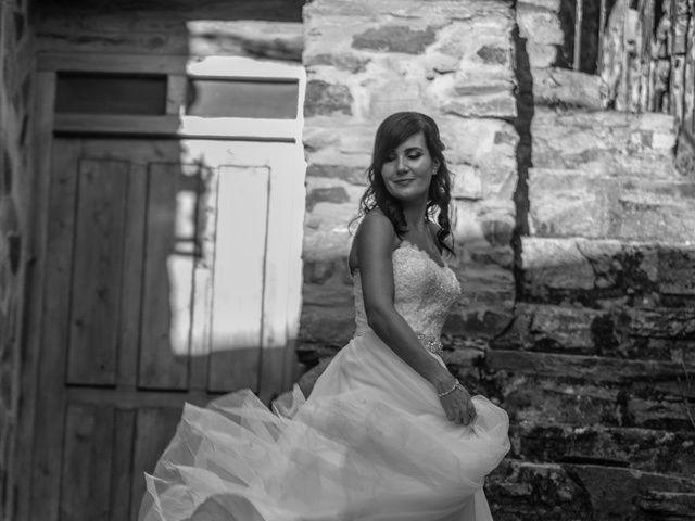 La boda de Adrian y Lorena en Ponferrada, León 31
