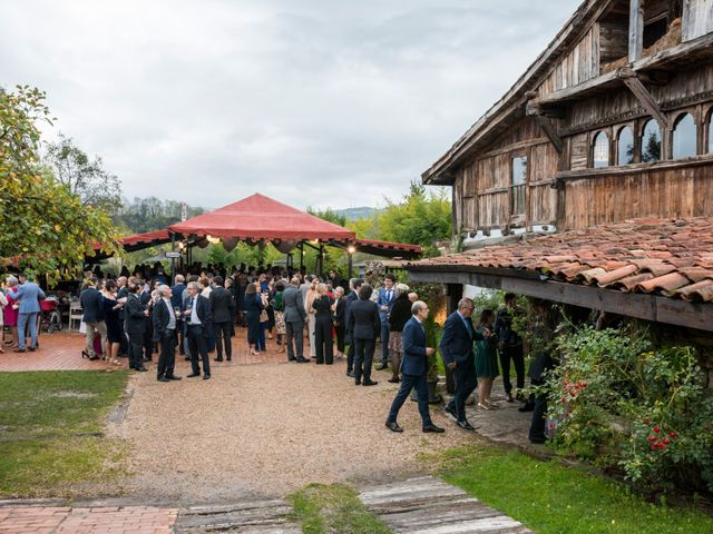La boda de Pablo y Elena en Loiu, Vizcaya 16
