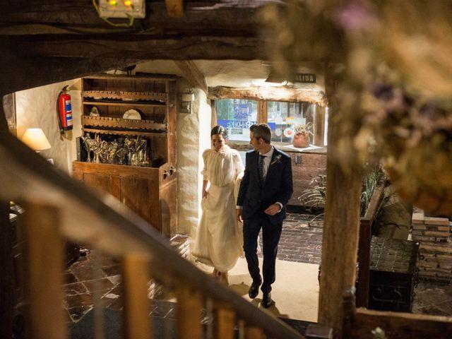 La boda de Pablo y Elena en Loiu, Vizcaya 28