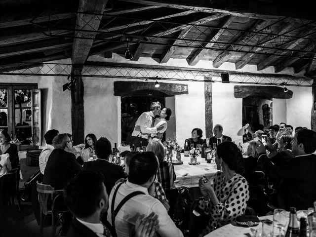 La boda de Pablo y Elena en Loiu, Vizcaya 33