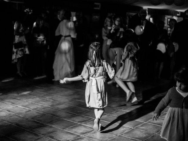 La boda de Pablo y Elena en Loiu, Vizcaya 35
