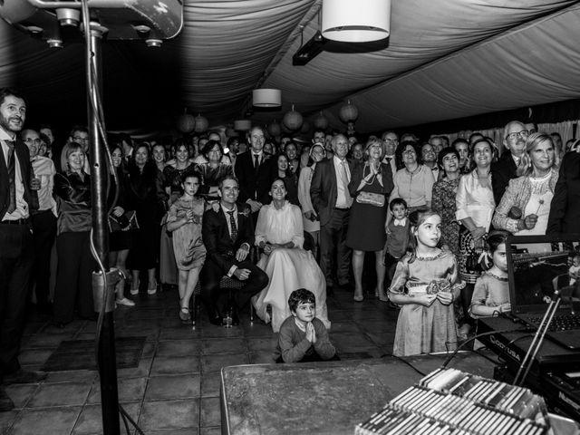 La boda de Pablo y Elena en Loiu, Vizcaya 36