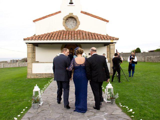 La boda de Alberto y María en Cabueñes, Asturias 23