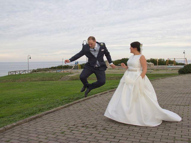 La boda de Alberto y María en Cabueñes, Asturias 31