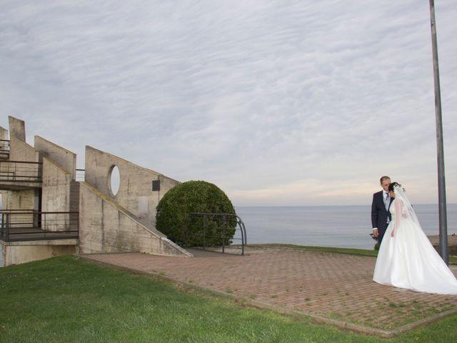 La boda de Alberto y María en Cabueñes, Asturias 32