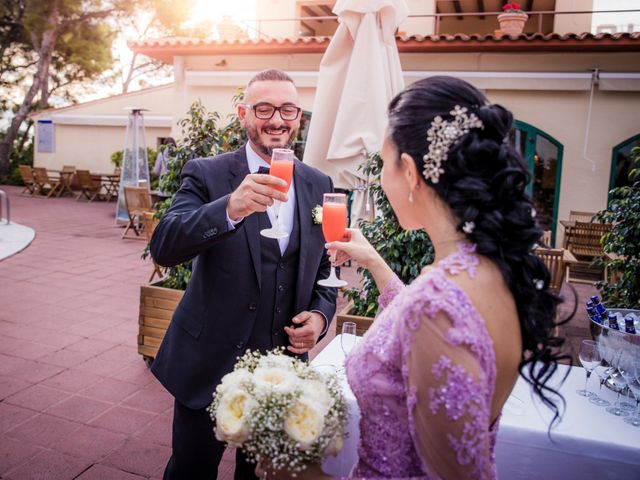 La boda de Gabriele y Carla en Castelldefels, Barcelona 101