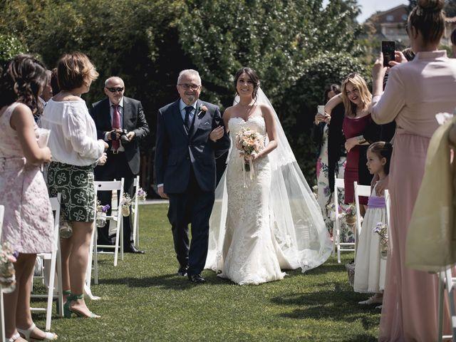 La boda de Carlos y Cristina en Sant Fost De Campsentelles, Barcelona 32