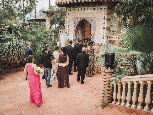 La boda de Juan y Úrsula en Alhaurin El Grande, Málaga 34