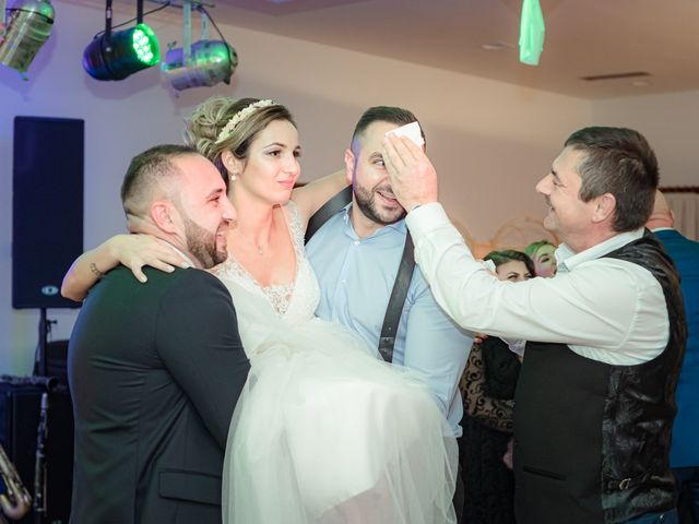 La boda de Olimpiu y Roxana en Laguardia, Álava 150