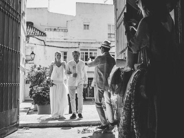 La boda de Tomy y Lucía en Bolonia, Cádiz 18