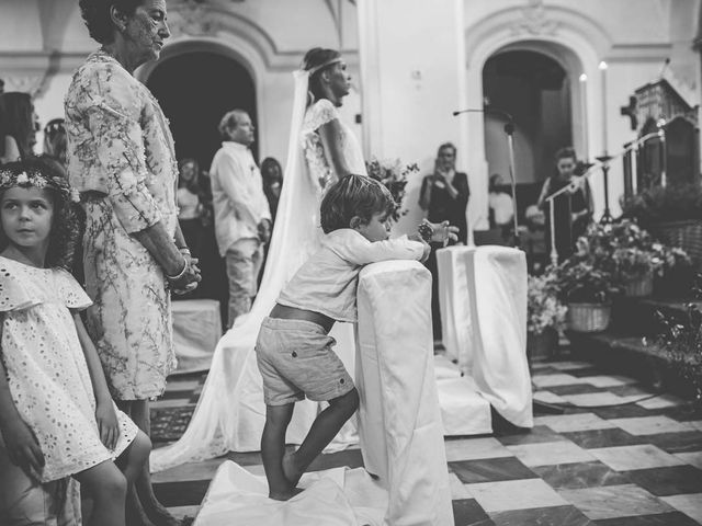 La boda de Tomy y Lucía en Bolonia, Cádiz 29