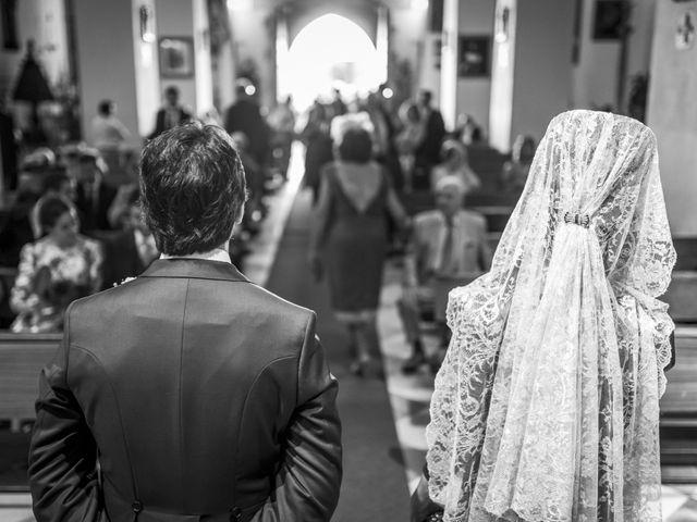 La boda de Andrés y Isabel en Sanlucar La Mayor, Sevilla 13