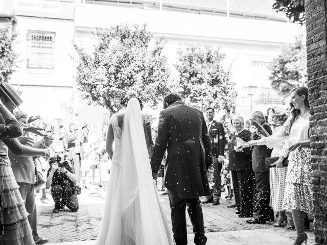 La boda de Andrés y Isabel en Sanlucar La Mayor, Sevilla 25
