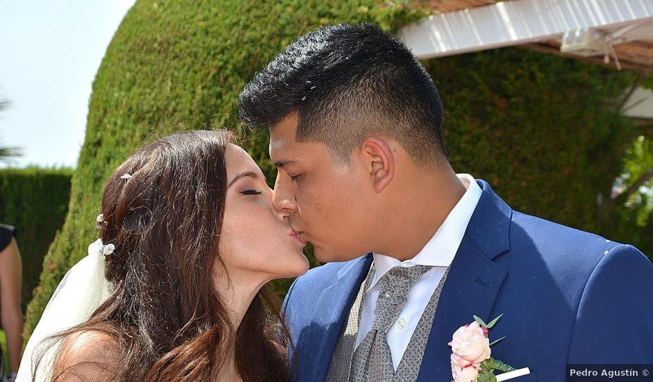 La boda de Sergio y Nathaly en La/villajoyosa Vila Joiosa, Alicante