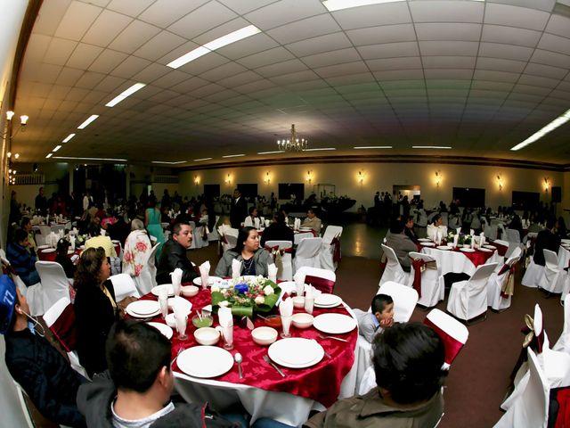 La boda de Jonathan y Magdhen en Puebla De Valles, Guadalajara 2