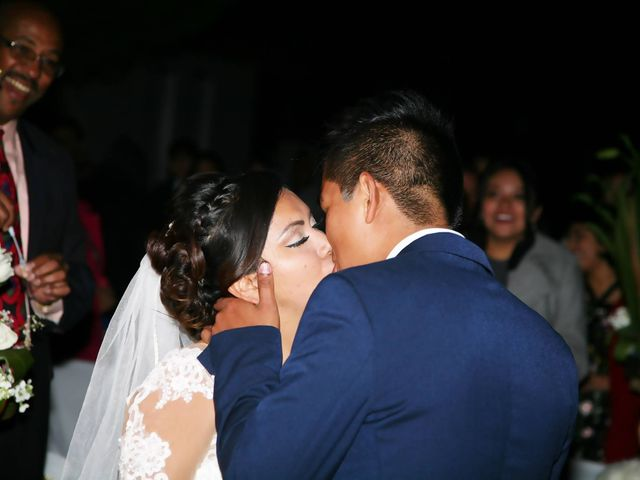 La boda de Jonathan y Magdhen en Puebla De Valles, Guadalajara 4