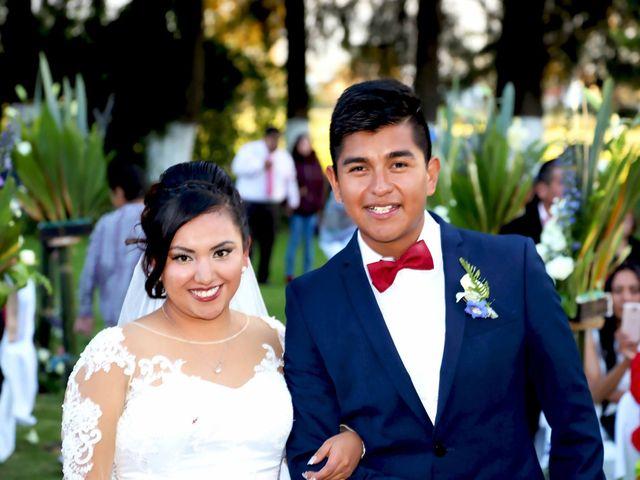 La boda de Jonathan y Magdhen en Puebla De Valles, Guadalajara 7