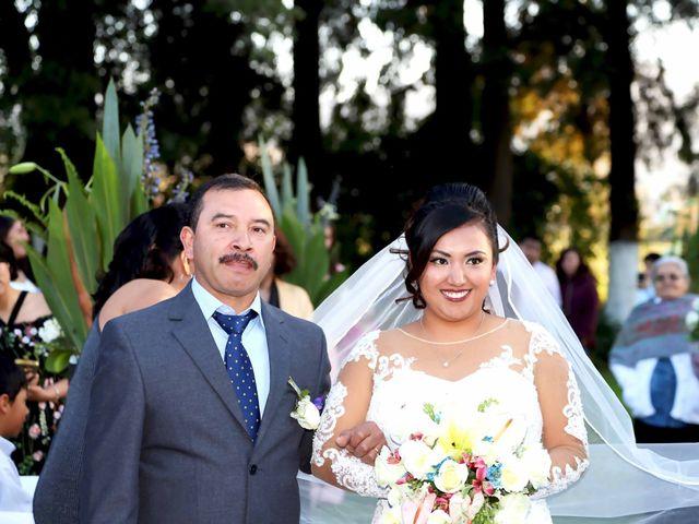 La boda de Jonathan y Magdhen en Puebla De Valles, Guadalajara 9