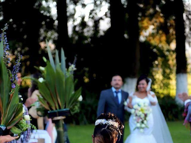 La boda de Jonathan y Magdhen en Puebla De Valles, Guadalajara 11