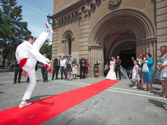 La boda de Ismael y Irene en Pamplona, Navarra 13
