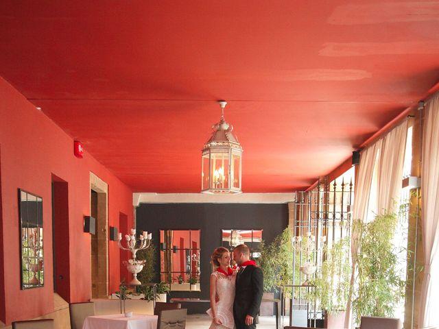 La boda de Ismael y Irene en Pamplona, Navarra 16