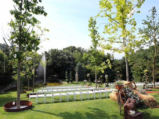 La boda de Toni y Vane en Sant Fost De Campsentelles, Barcelona 33