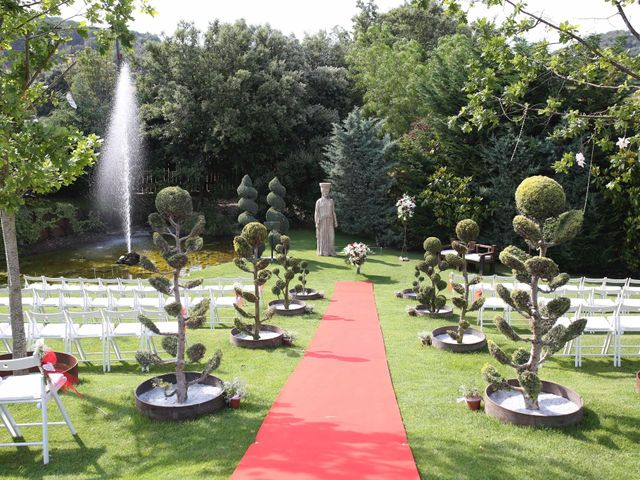 La boda de Toni y Vane en Sant Fost De Campsentelles, Barcelona 34