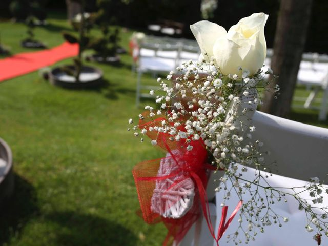 La boda de Toni y Vane en Sant Fost De Campsentelles, Barcelona 35