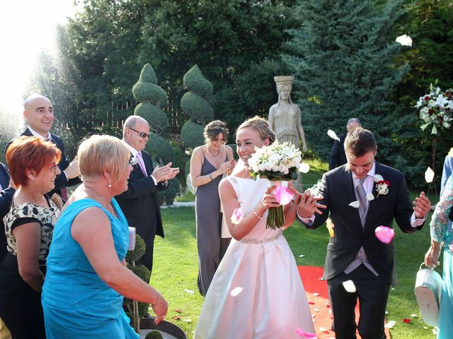 La boda de Toni y Vane en Sant Fost De Campsentelles, Barcelona 63