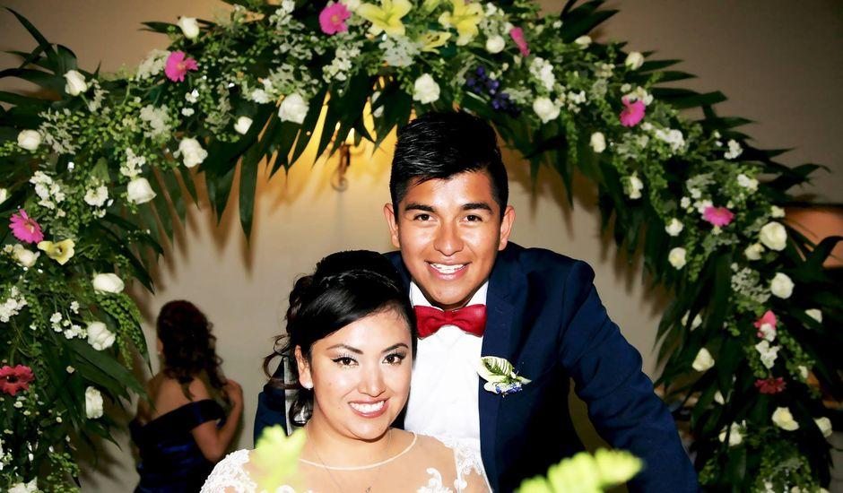 La boda de Jonathan y Magdhen en Puebla De Valles, Guadalajara