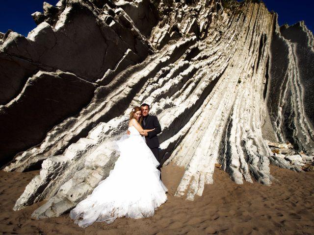 La boda de María Luisa y Roberto  en Vitoria-gasteiz, Álava 15