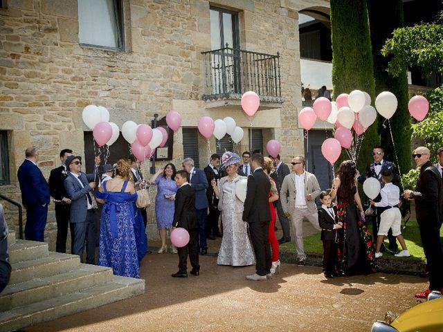 La boda de Borja y Esmeralda en Gorraiz, Navarra 27