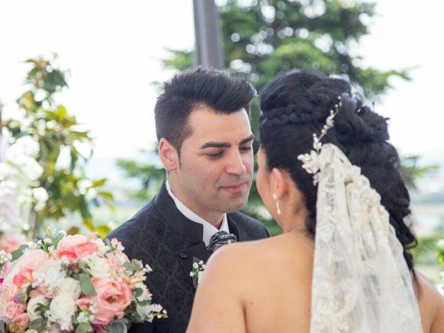La boda de Borja y Esmeralda en Gorraiz, Navarra 62