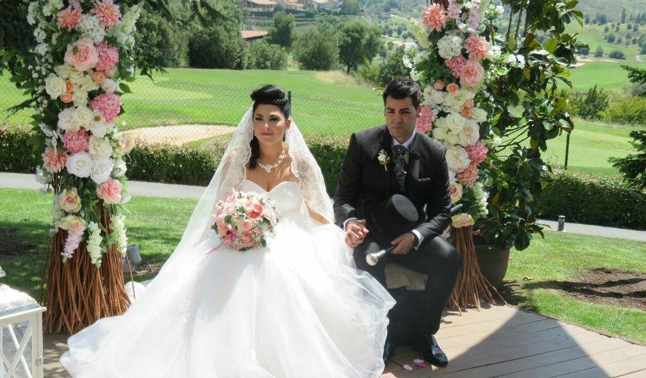 La boda de Borja y Esmeralda en Gorraiz, Navarra