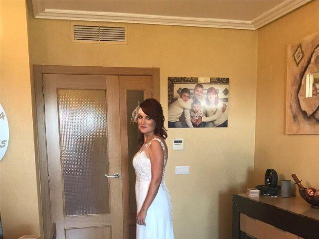 La boda de Roberto  y Jess  en Catral, Alicante 4