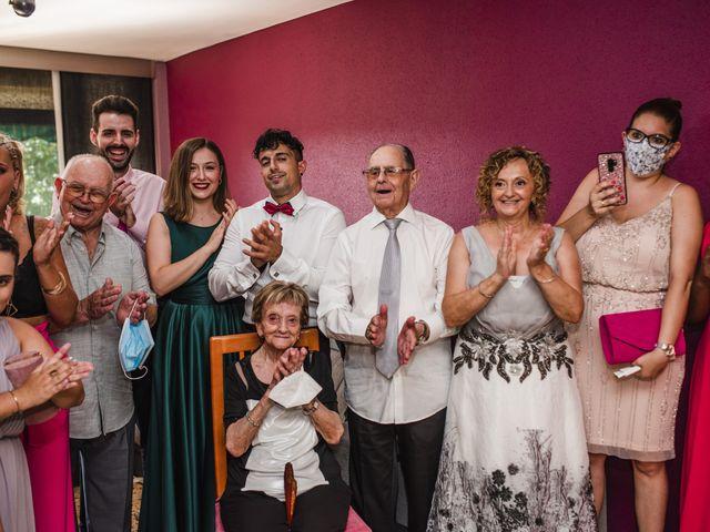 La boda de Esteve y Rocío en Sant Vicenç De Montalt, Barcelona 23