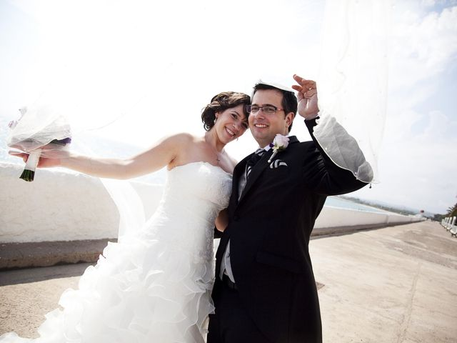 La boda de Mirian y Albert en Vilanova I La Geltru, Barcelona 20