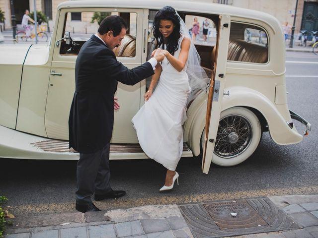 La boda de Amparo y Ricardo en Valencia, Valencia 34