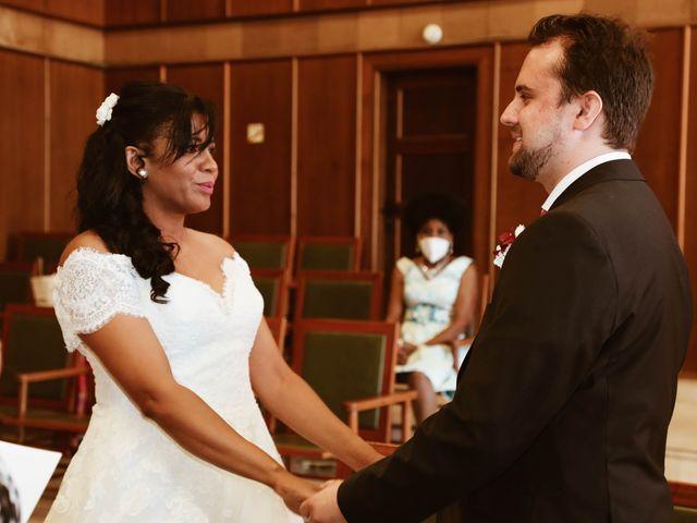 La boda de Thomas y Marianela en Rivas-vaciamadrid, Madrid 33