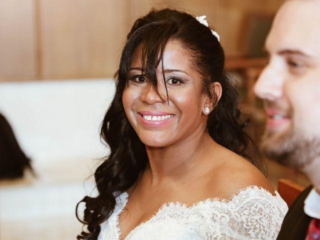 La boda de Thomas y Marianela en Rivas-vaciamadrid, Madrid 37