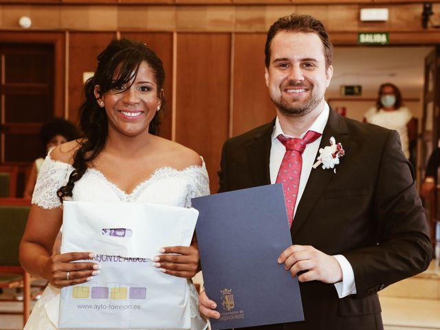 La boda de Thomas y Marianela en Rivas-vaciamadrid, Madrid 38