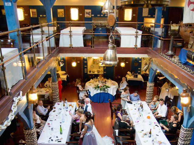 La boda de Alberto y Haizea en Santurtzi, Vizcaya 3