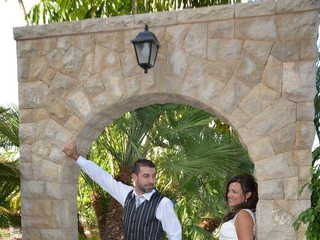 La boda de Rocio y Rafael en La/villajoyosa Vila Joiosa, Alicante 24
